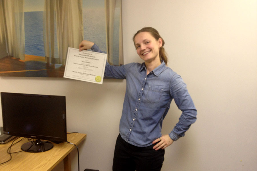 Illana shows off her SEO Certifcate